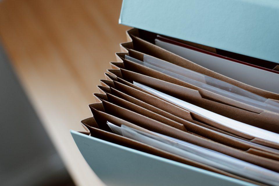 Decyzja administracyjna - czym jest i kiedy jest wydawana?